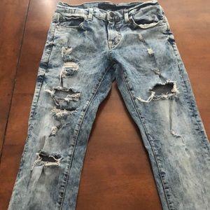 Men's Aeropostale skinny jeans.